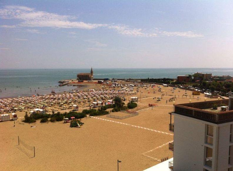 Matrimonio Spiaggia Caorle : Spiaggia di caorle recensioni foto e servizi